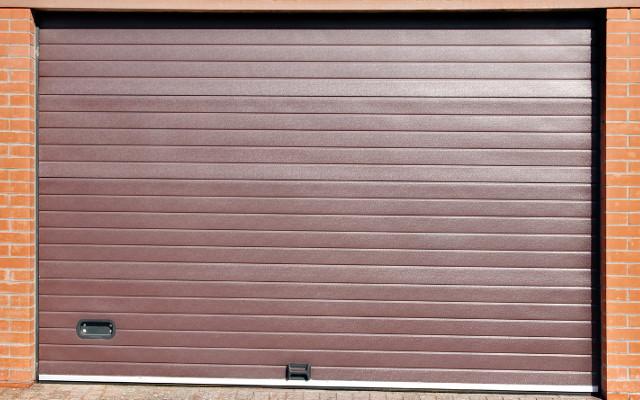 Reparar la puerta de garaje